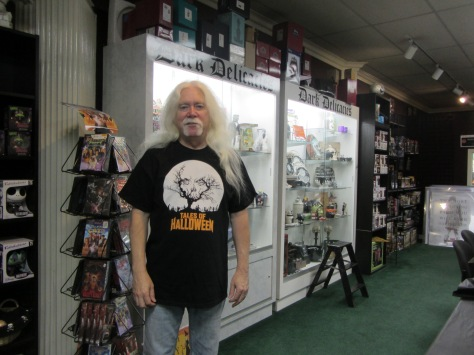 Del Howison opened Dark Delicacies in Burbank, CA, with his wife, Sue, in 1994.