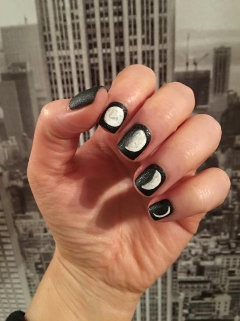 moon-phase-nails